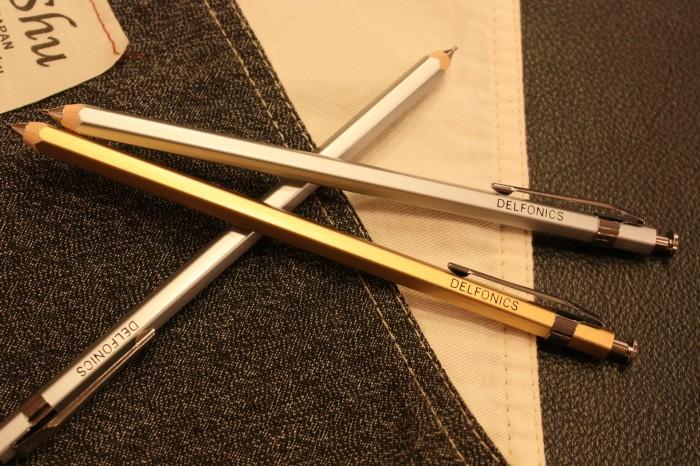 ③シャープペン