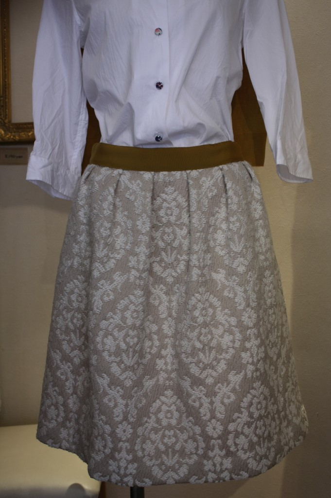 ④haupia ジャガードスカート