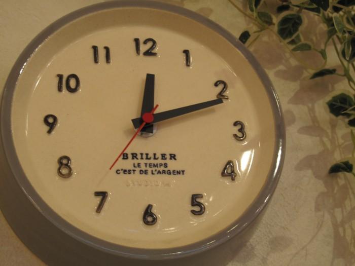 6陶器の掛け時計