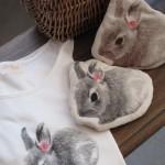 ウサギのTシャツとポーチ