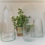 再生ガラスの花瓶